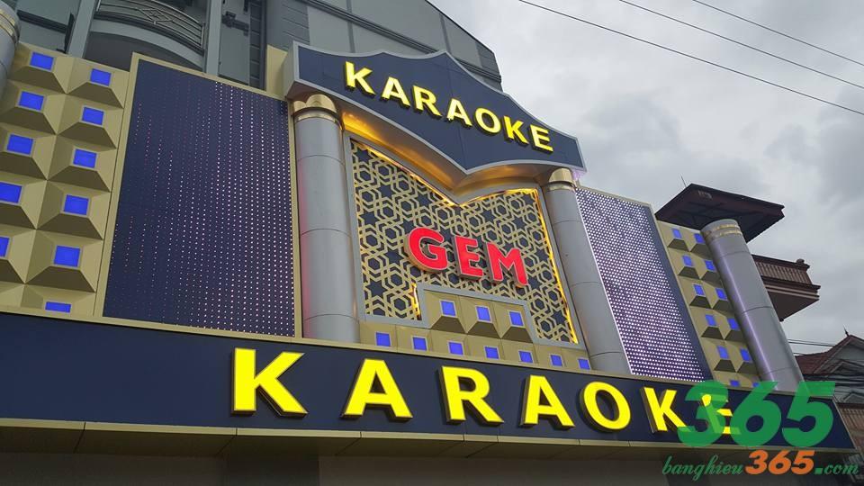 Mẫu bảng hiệu quán karaoke ốp alu, chữ mica, đèn led đẳng cấp