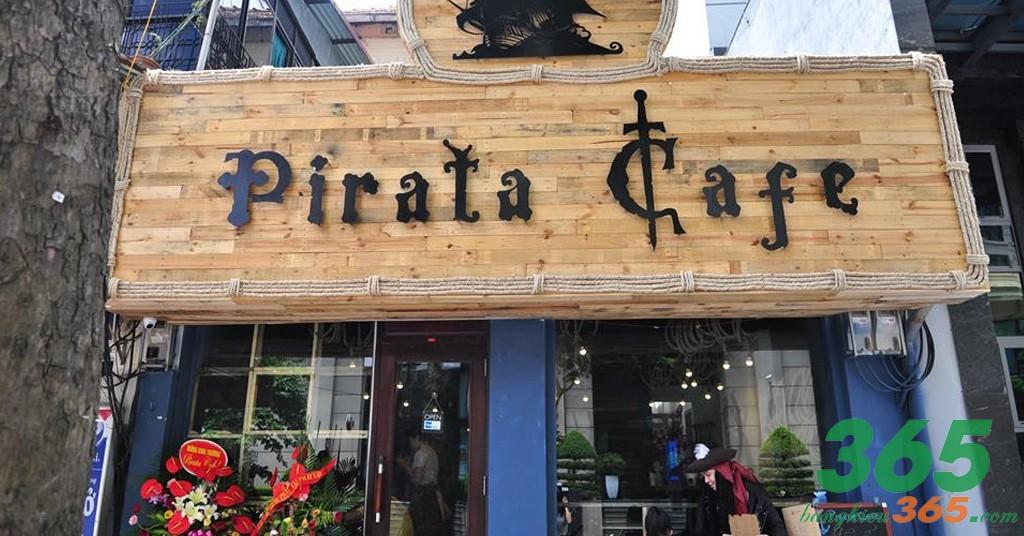 Bảng hiệu quán cà phê nền gỗ chữ nổi mica nghệ thuật
