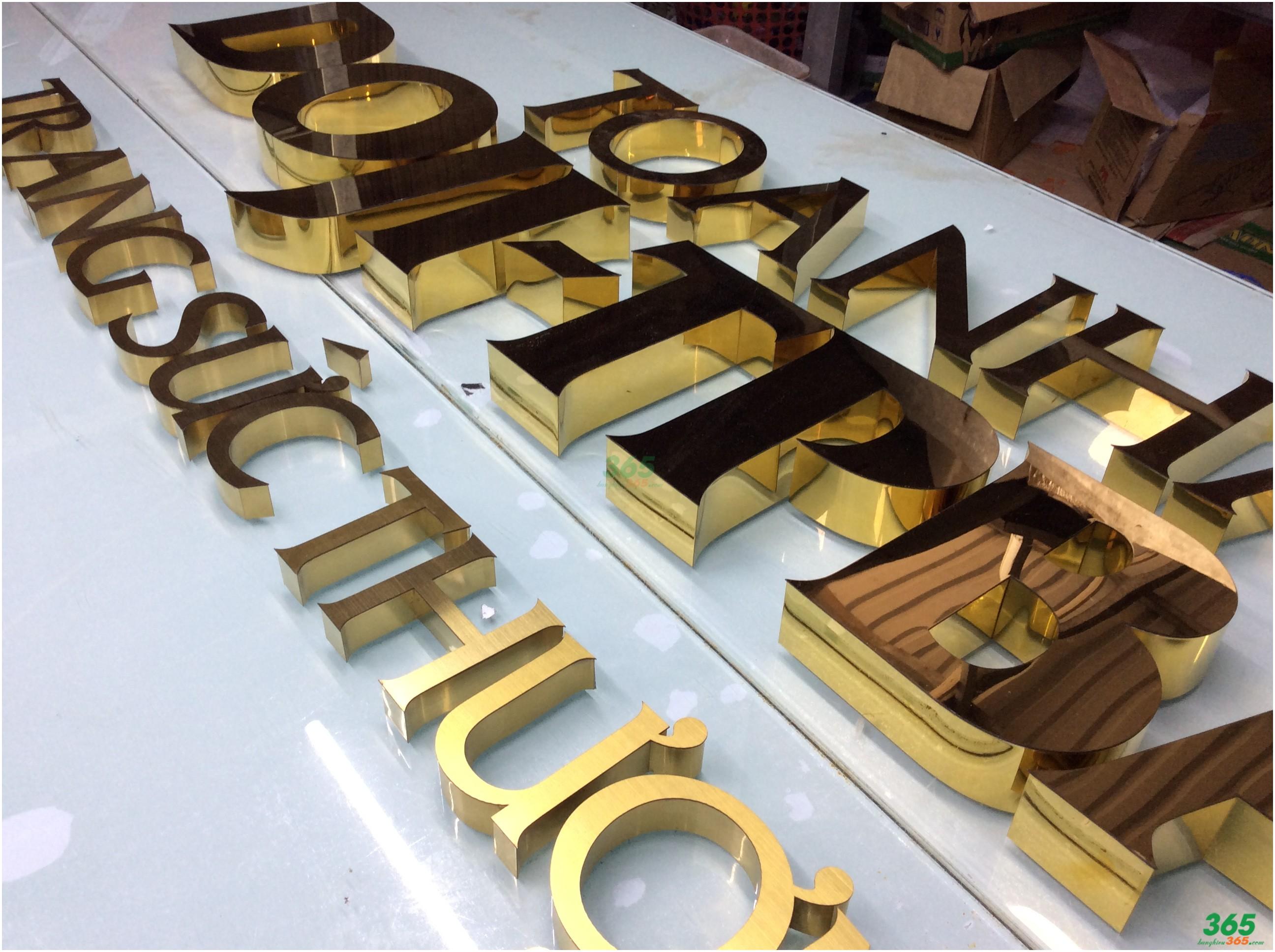 Mẫu chữ nổi inox vàng đồng