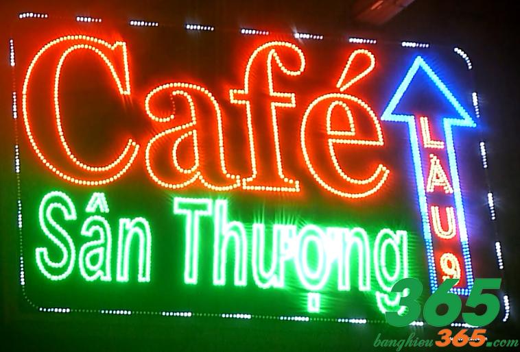 Biển vẫy đèn led thông dụng cho quán cà phê