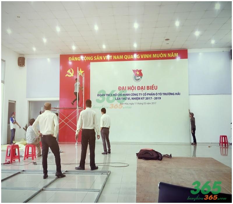 Mẫu backdrop thi công trong phòng, hội trường