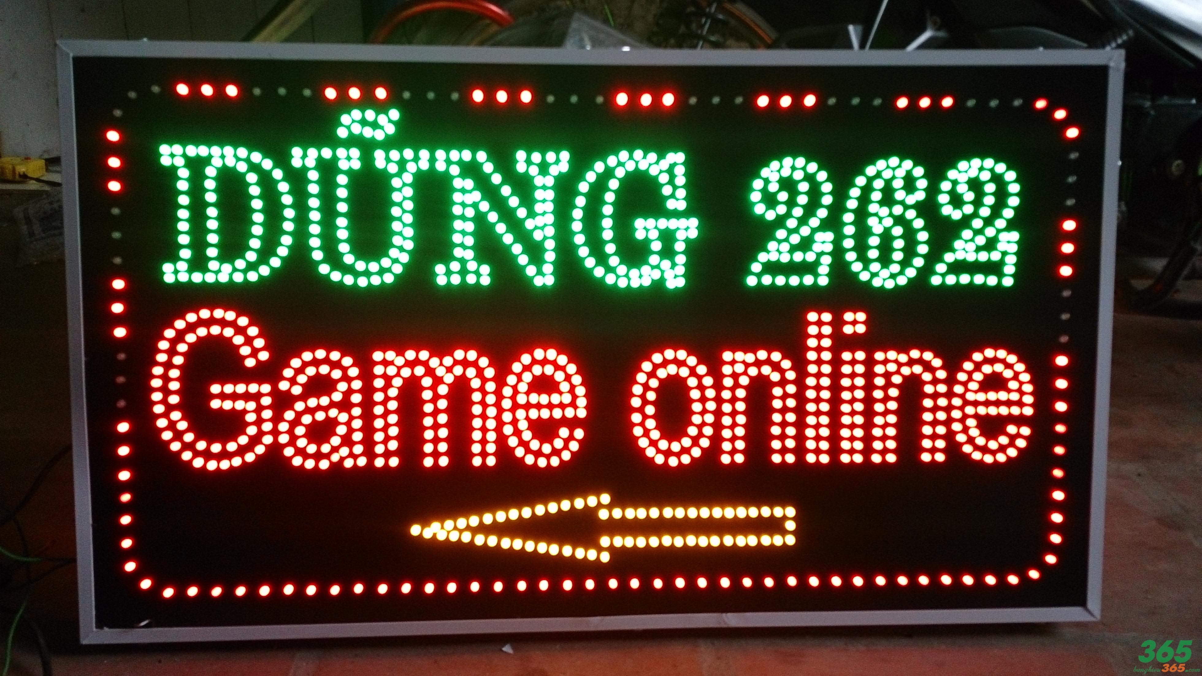 Biển vẫy đèn led cũng là một dạng bảng hiệu được nhiều quán game lựa chọn