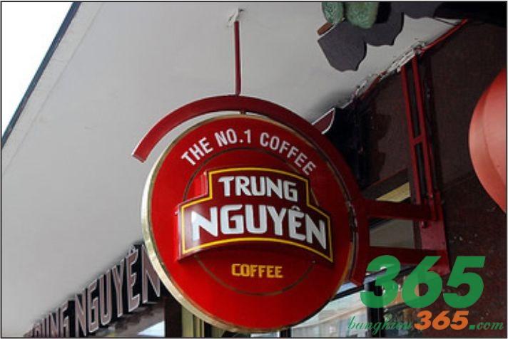 Bảng hiệu hộp đèn quán cafe ấn tượng