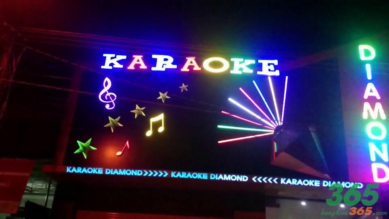 Biển quảng cáo cho quán karaoke đèn led nhiều màu sắc nổi bật