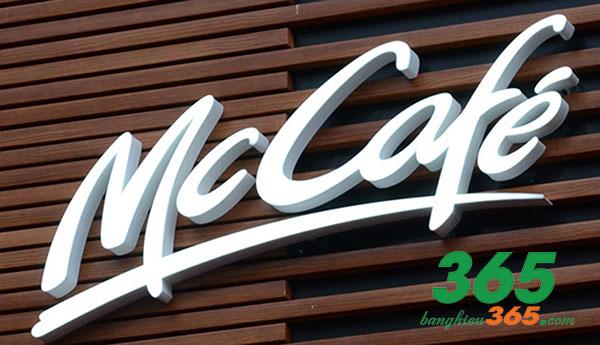 Bảng hiệu chữ nổi mica đơn giản mà sang trọng của McDonald