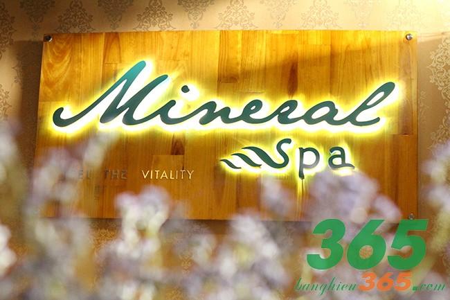 Mẫu bảng hiệu sang trọng cho spa