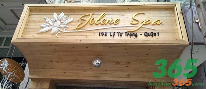 Mẫu biển hiệu gỗ mềm mại, ấn tượng, sang trọng của spa Jolene
